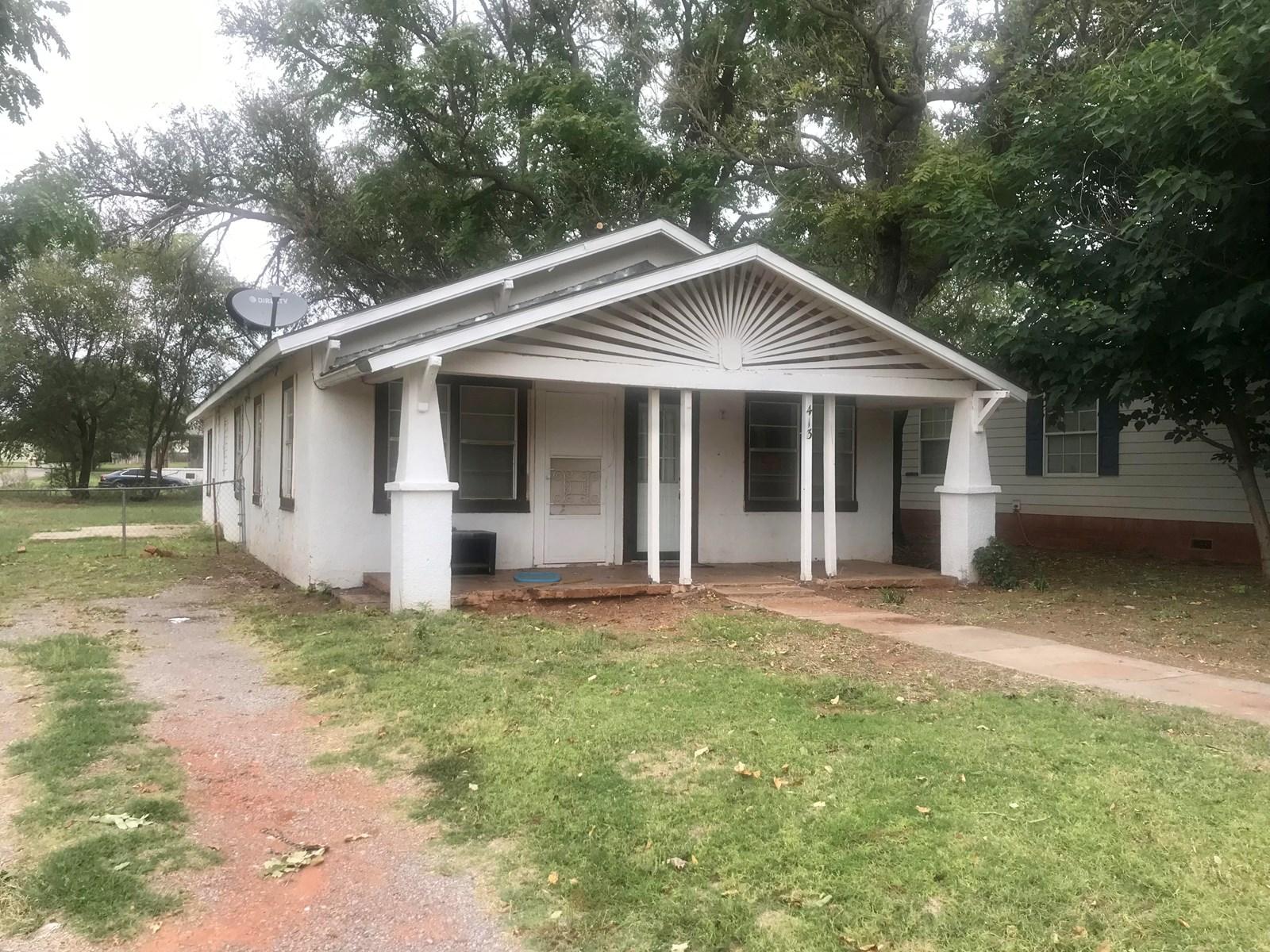 INVESTOR RENTAL HOME FOR SALE 3 BEDROOMS SAYRE OK RT 66