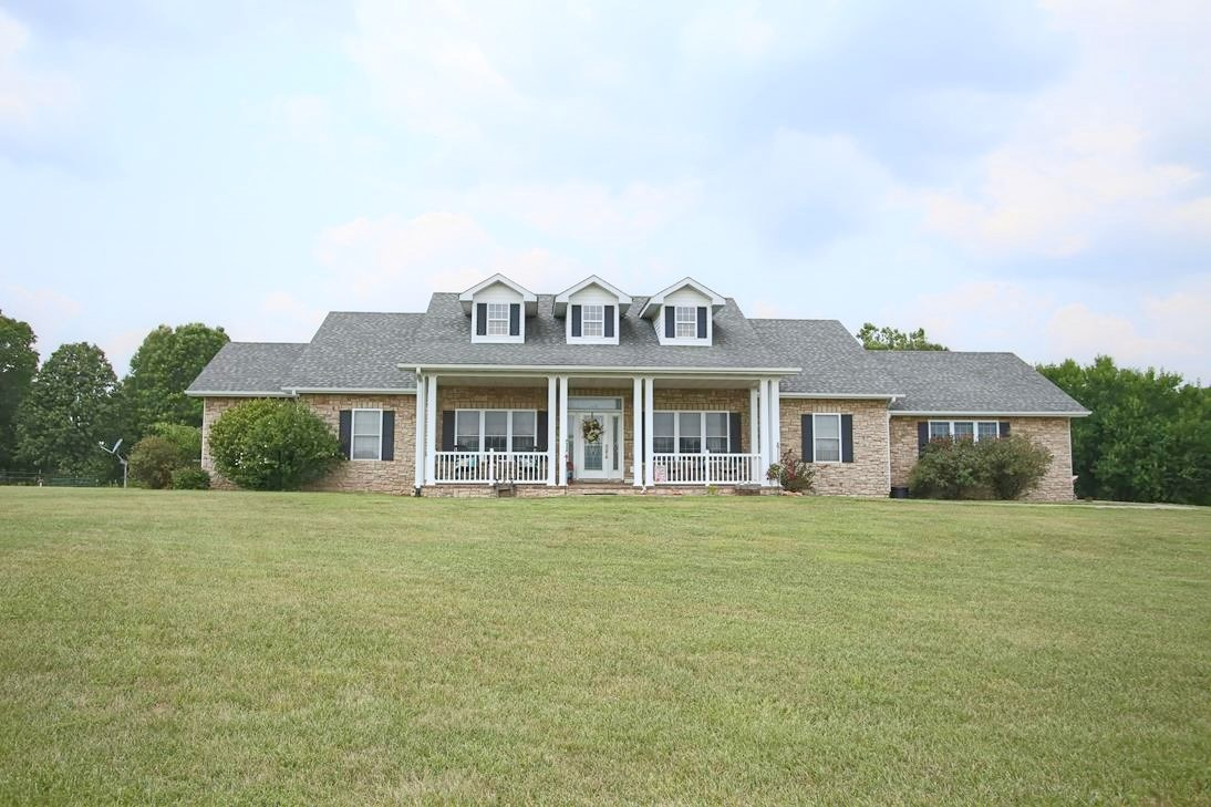 Equestrian Property & Home For Sale in Oregon County, MO