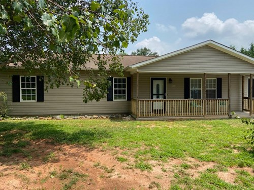 Ranch home for sale in Alexander County NC w/attached garage