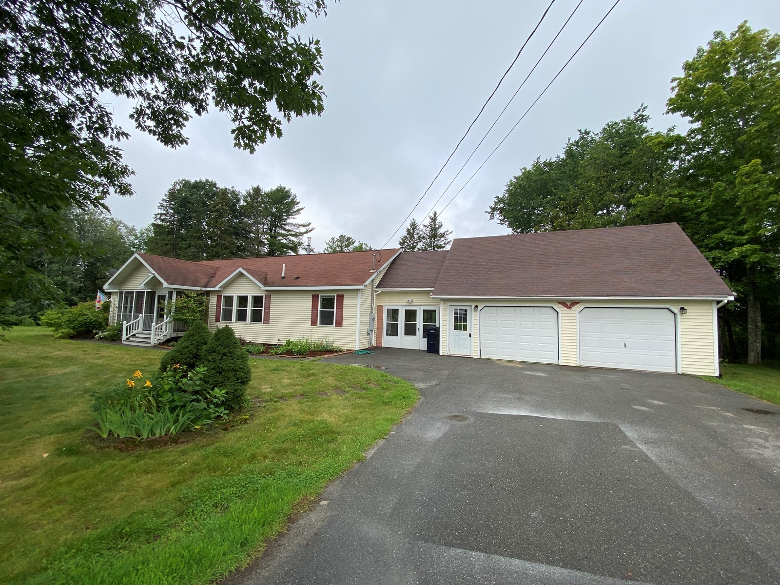 Private Ranch home in Bangor, Maine