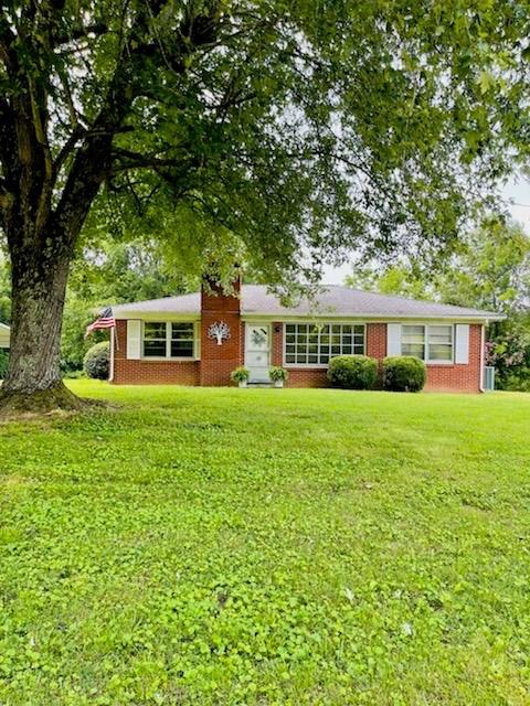 Move-In Ready, All-Brick Home for Sale in Mt. Pleasant TN