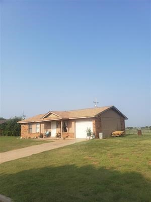 RURAL OKLAHOMA LIVING 3 BED HOME FOR SALE