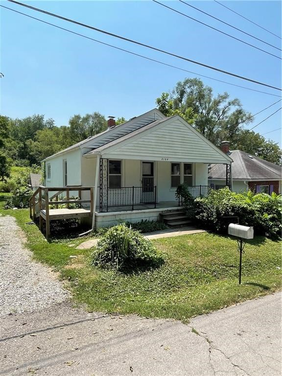 2 Bedroom Home Located Near North Shoppes in St Joseph, MO
