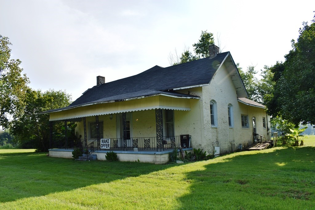 TN Historic Home for Sale - Fixer Upper on Large 1+ Acre Lot