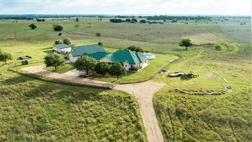 Ranch with Land & Homes For Sale in McLennan County, TX