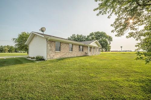 3 Bedroom House, East of Vandalia, MO Audrain County 63382