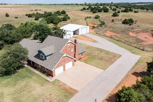 OKLAHOMA COUNTRY HOME FOR SALE