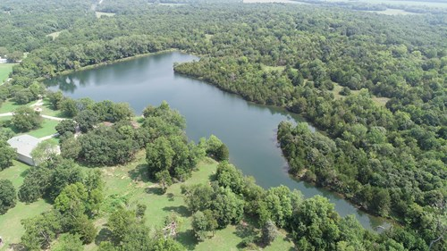 Lakeside Living and Hunting For Sale in Kansas