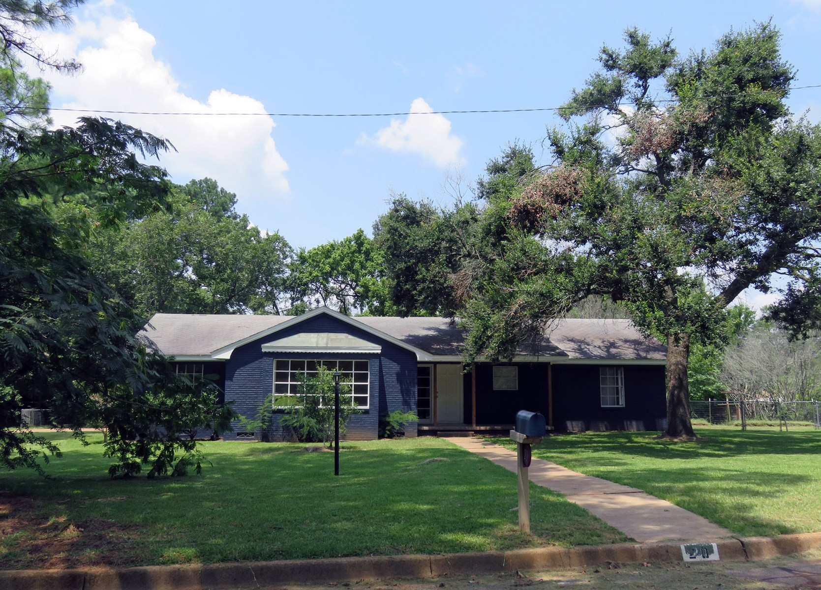 3/2 Home on Large Lot in East Texas for sale