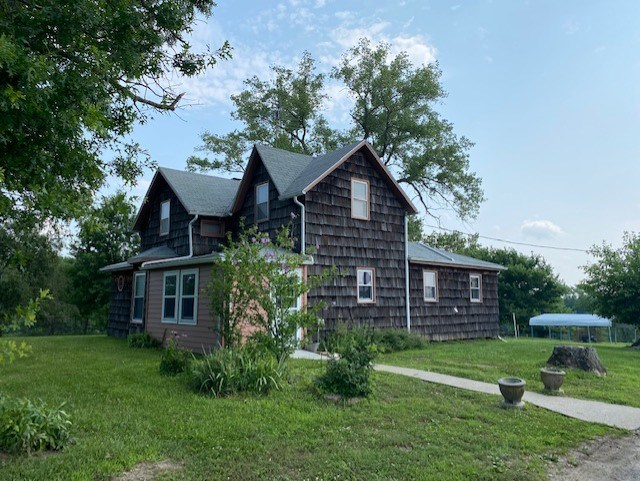 CAMERON MO COUNTRY HOME AND ACREAGE FOR SALE