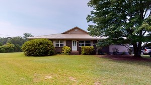 BED & BREAKFAST WITH LAND FOR SALE IN MACON COUNTY, AL