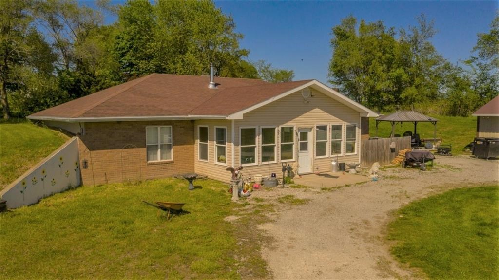 Earth Contact Home on 25 Acres in Dekalb County, MO