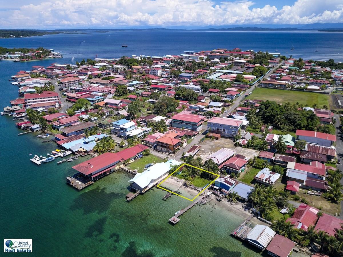 2 Titled Oceanfront Lots in town of Bocas del Toro