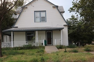 HISTORIC HOME FOR SALE IN PROTECTIO, KANSAS - RED HILLS AREA