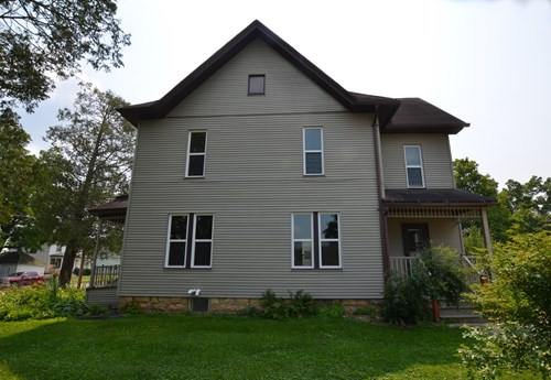 Up/Down duplex or 4 BR 2 BA home in-town Viroqua, WI
