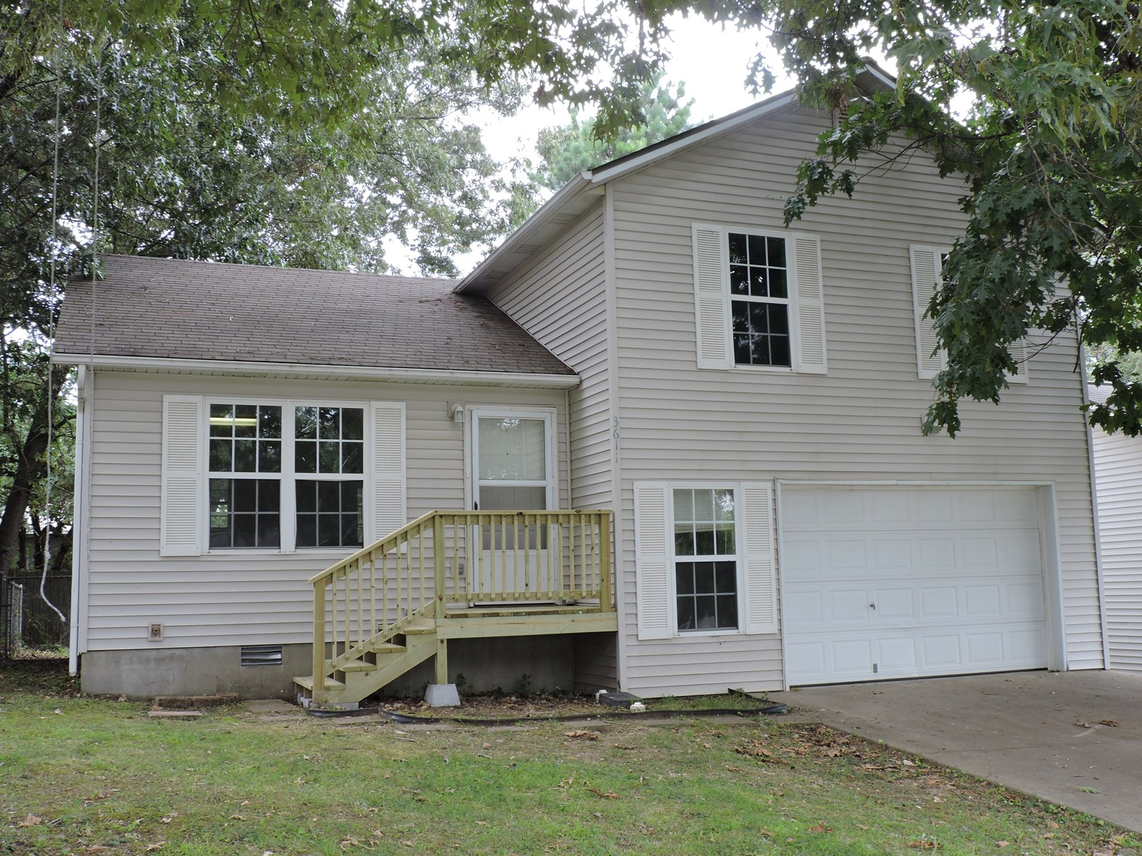 House For Sale In Town Harrison, Arkansas Near Airport