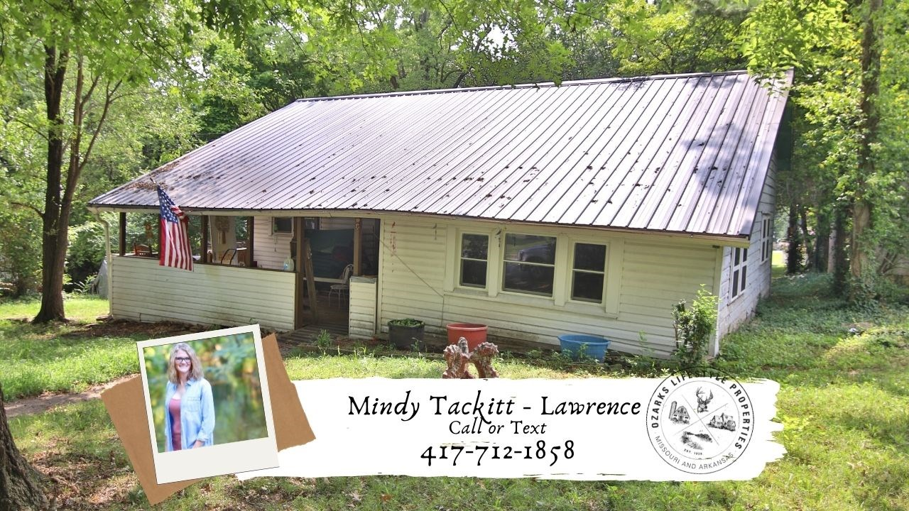 Home in Thayer for Sale