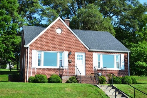 4 Bedroom 2 Bath Brick home in Wytheville, VA