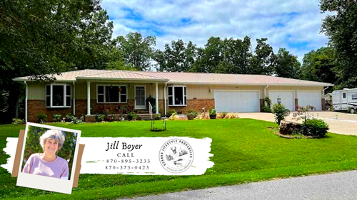 Beautiful Updated Home For Sale in Horseshoe Bend, AR