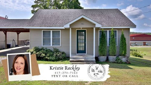 Cottage For Sale in Alton, MO