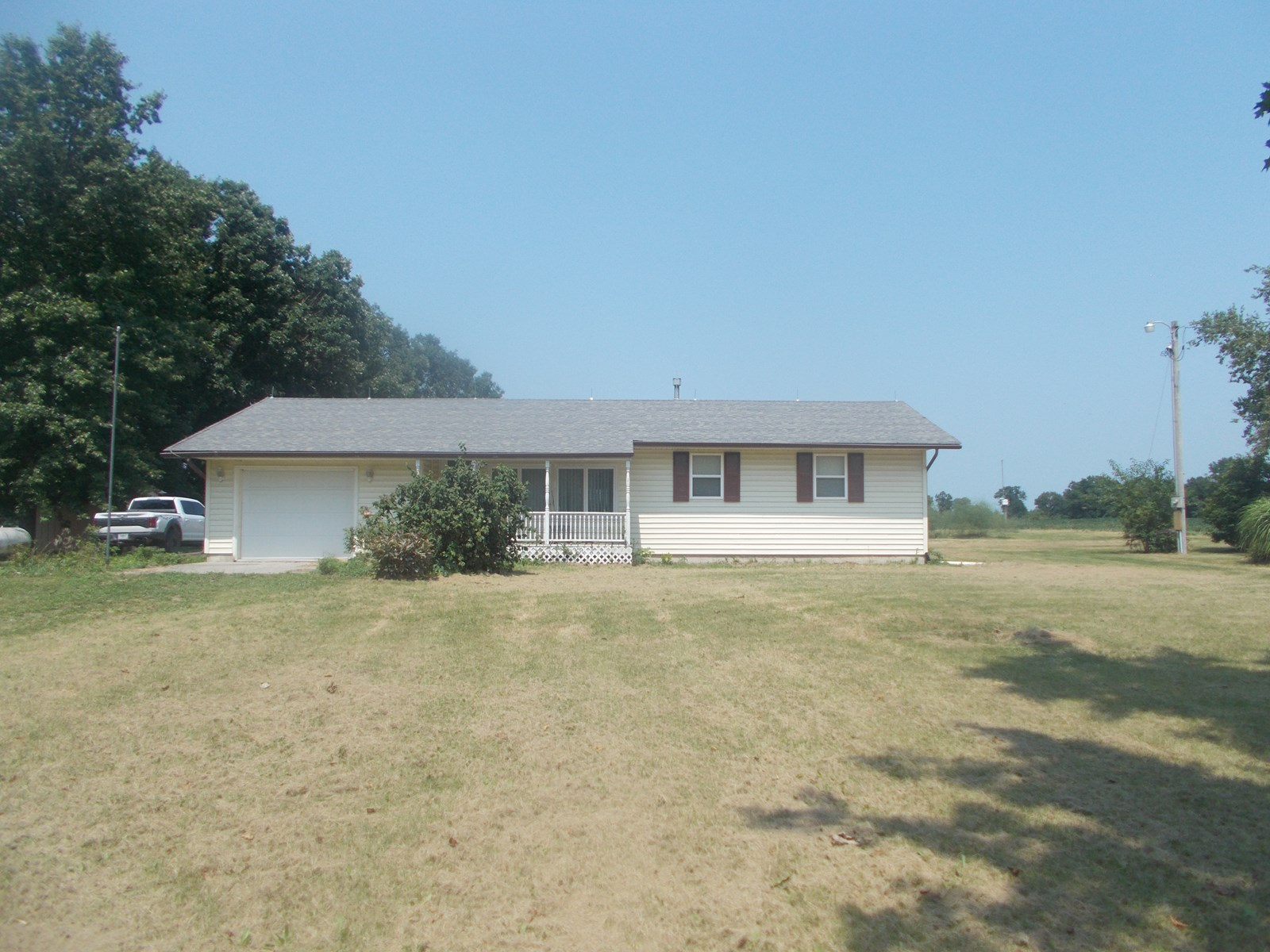 Ranch Style Home For Sale Just Outside Pattonsburg MO