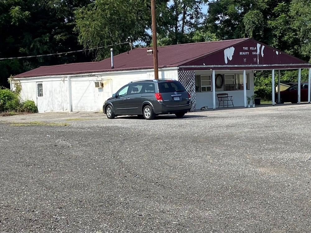 Salon & Carwash for Sale in Pulaski VA!
