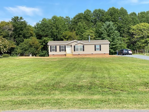 Manufactured Home and Land For Sale in Reidsville, NC