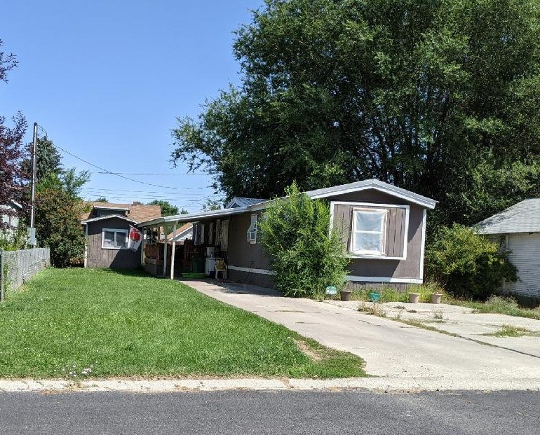 Cute little home for your investment in Burns, Or