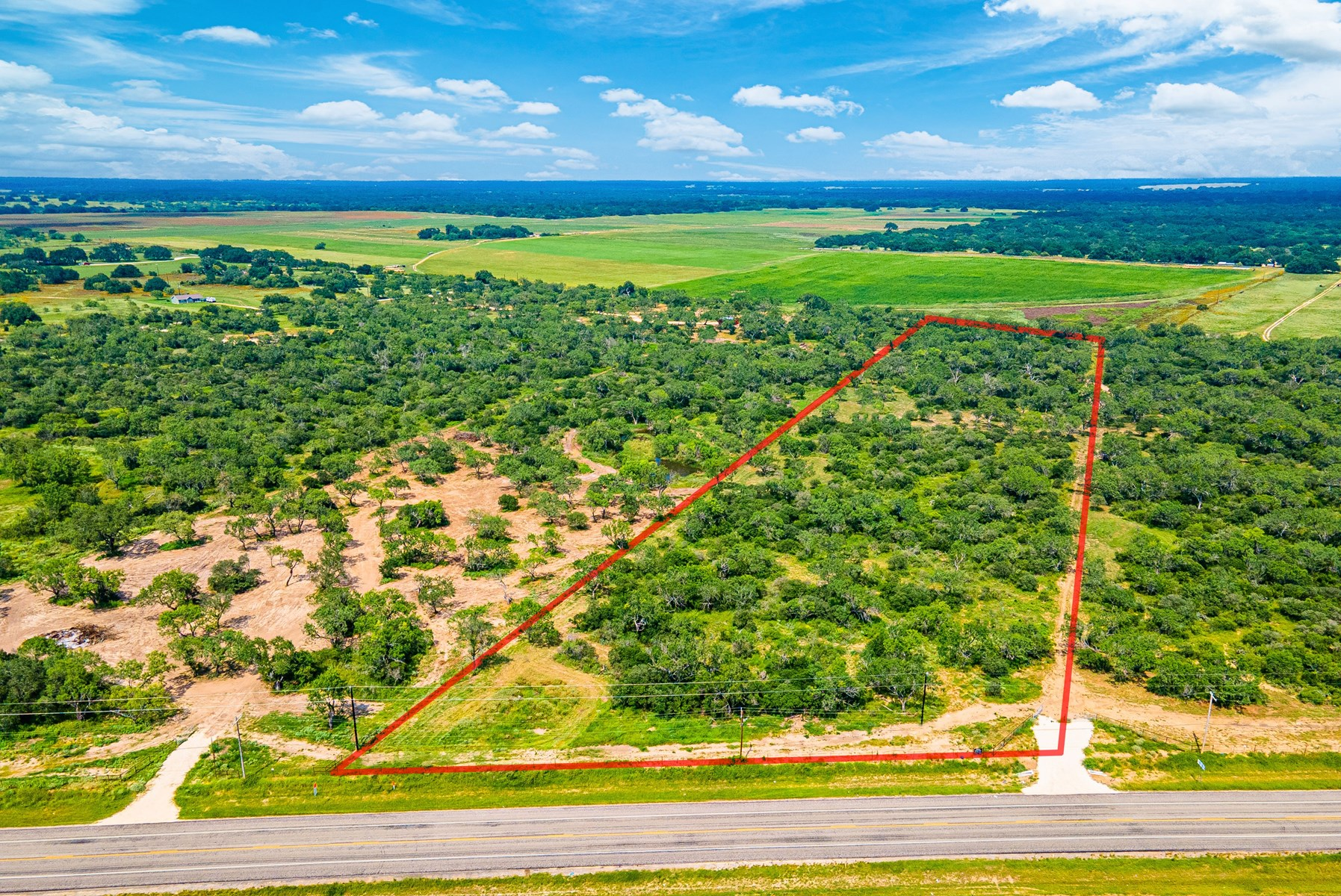 11.1+/- Acres in Devine, TX for sale!