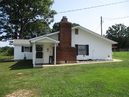 3 Bedroom, 2 Bath Mini Farm outside Salem! Call Megan today
