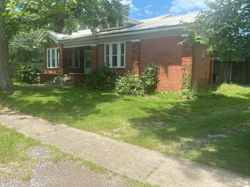 3 bedroom, s bath brick home in Brantley School District