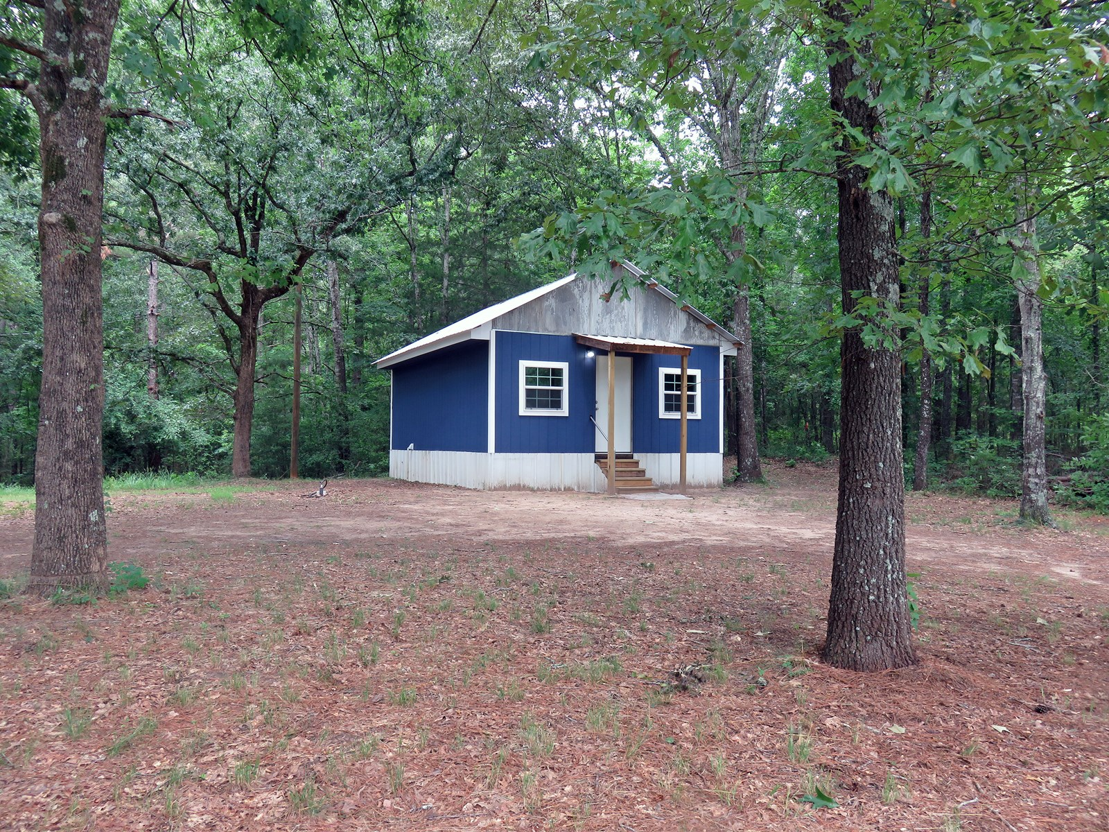 TINY HOUSE IN BEAUTIFUL EAST TEXAS