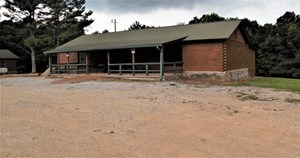 TN BUSINESS OPPORTUNITY, LOG CABIN, BAR AND GRILL ON 6 AC.!