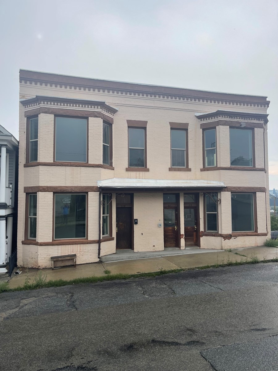 Multi-family income property for sale in Montana Mountains