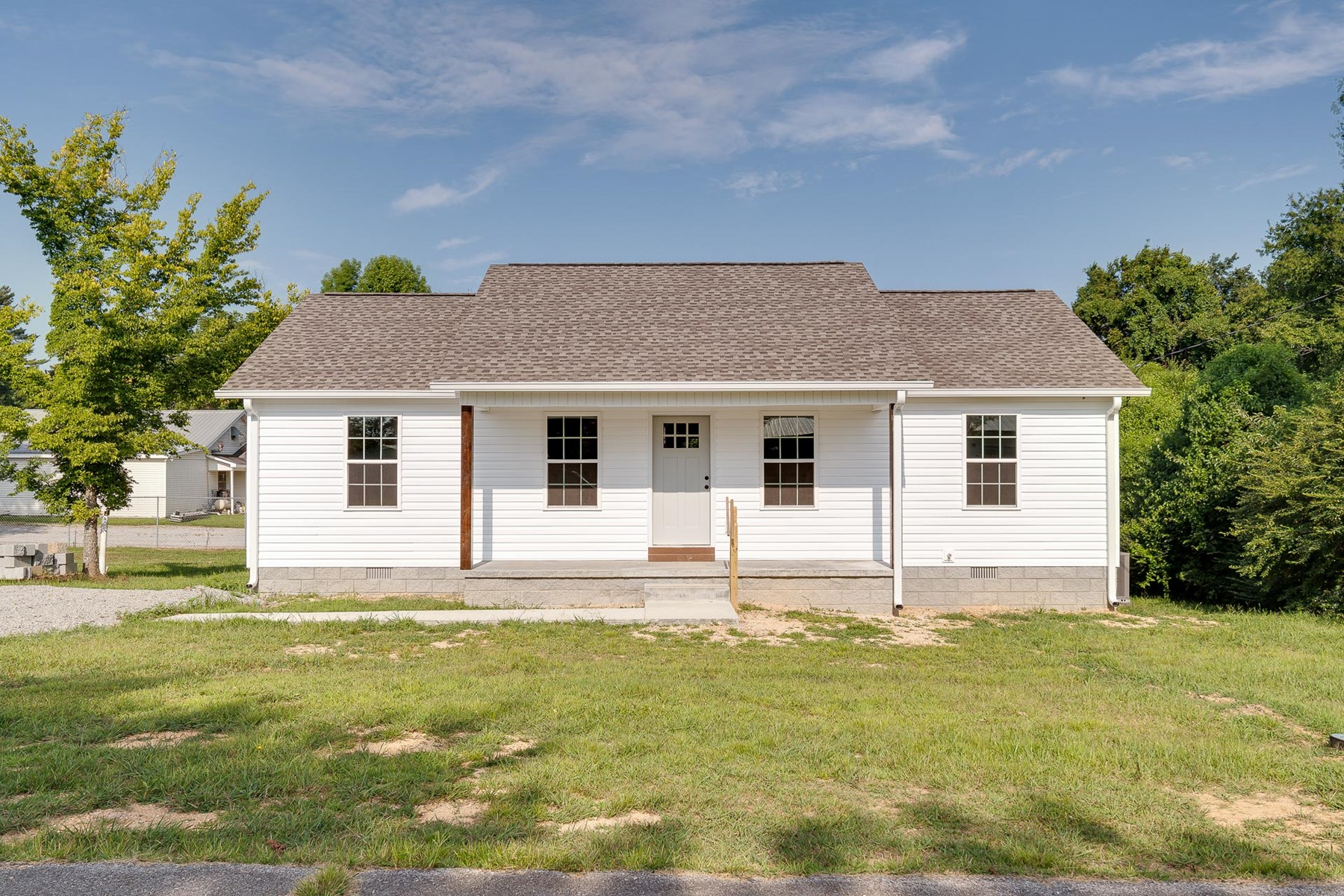 New Built Home in Town for Sale in Hohenwald, TN