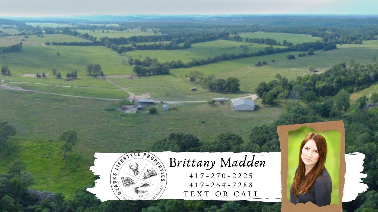 Cattle Farm for Sale in Lebanon, Missouri