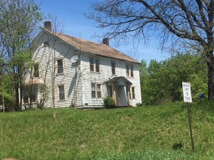 ANTIQUE FARM WITH LOTS OF ROAD FRONTAGE IN FULTON COUNTY, NY