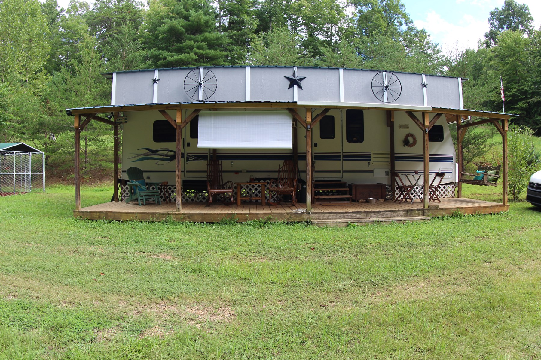 RV CAMPER WITH FRONT DECK LOCATED IN PATRICK COUNTY, VA