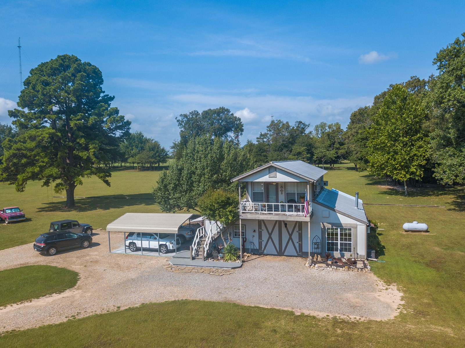 EAST TEXAS COUNTRY HOME 9 ACRES + POND FRANKLIN COUNTY TX