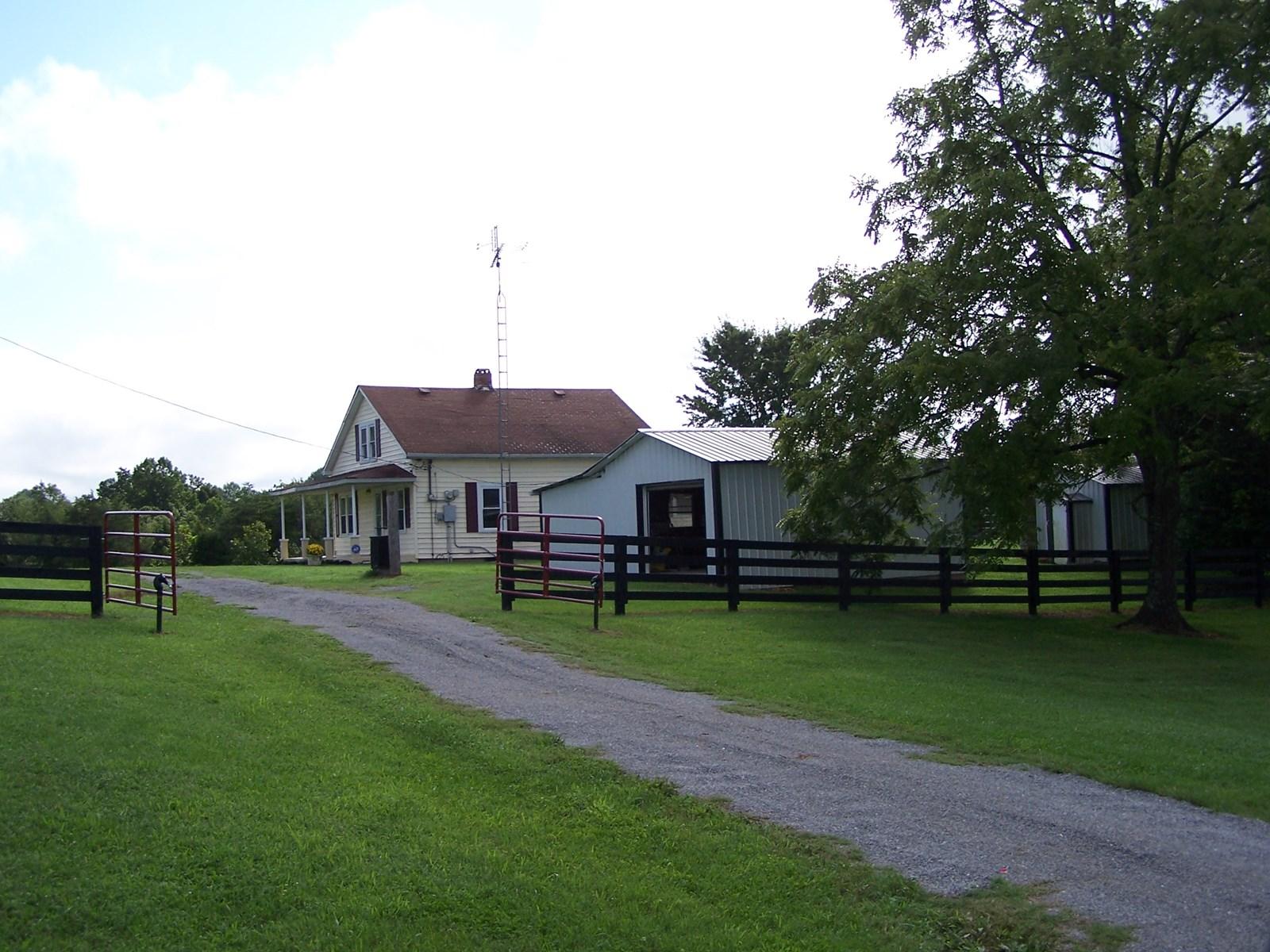 CATTLE/HORSE FARM - FRAME HOME/BARN - PASTURE - WINDSOR, KY