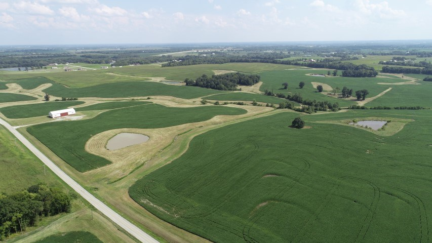 """250+/- Acres """"Top of It's Class"""" Livingston County, MO"""