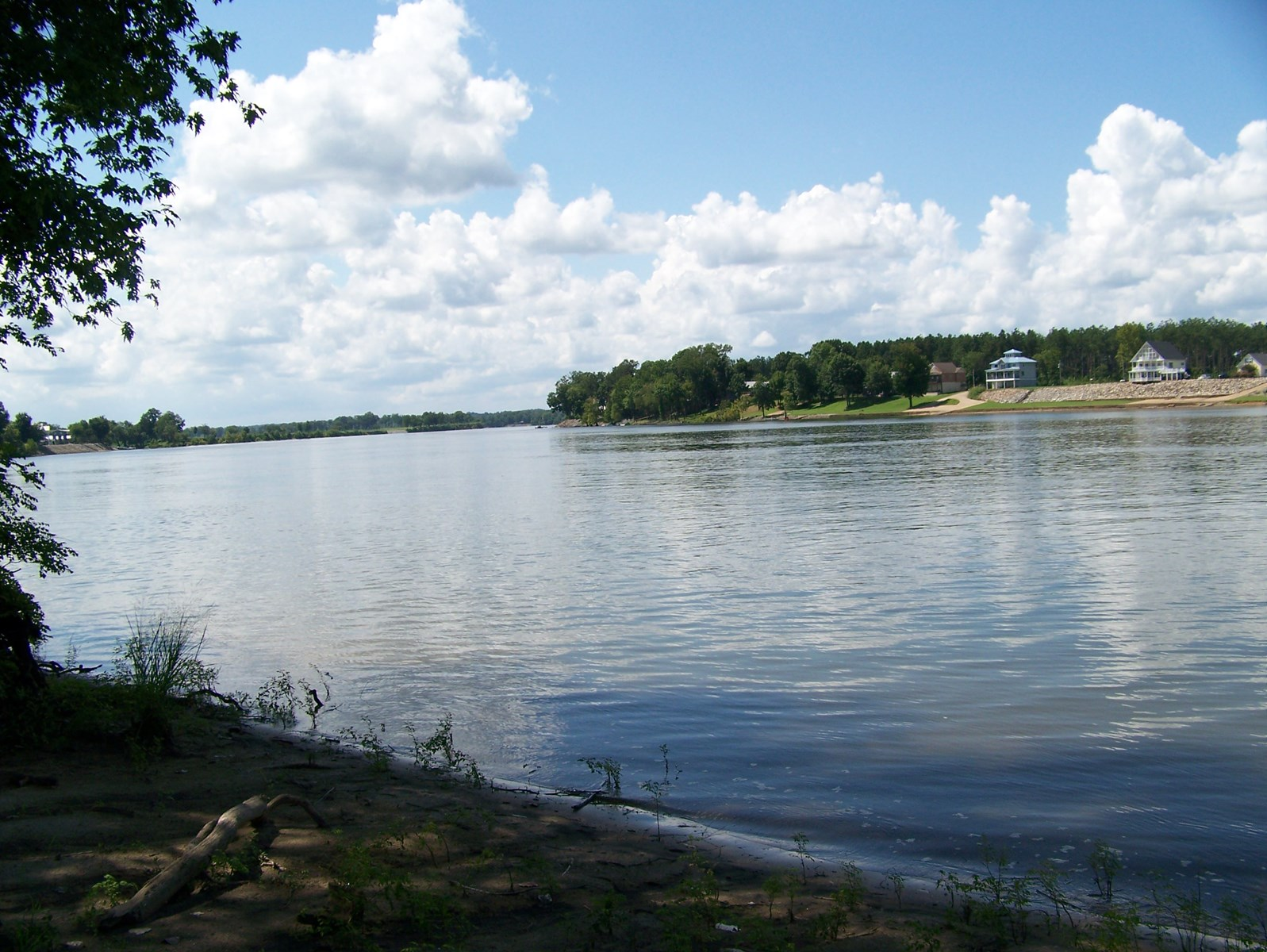 WATERFRONT LAND FOR SALE IN TN – RIVERFRONT, FISHING