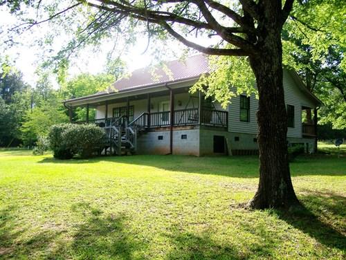 Ridgeway, SC Rural Getaway w/ Home, Garage/Barn on 29 Acres