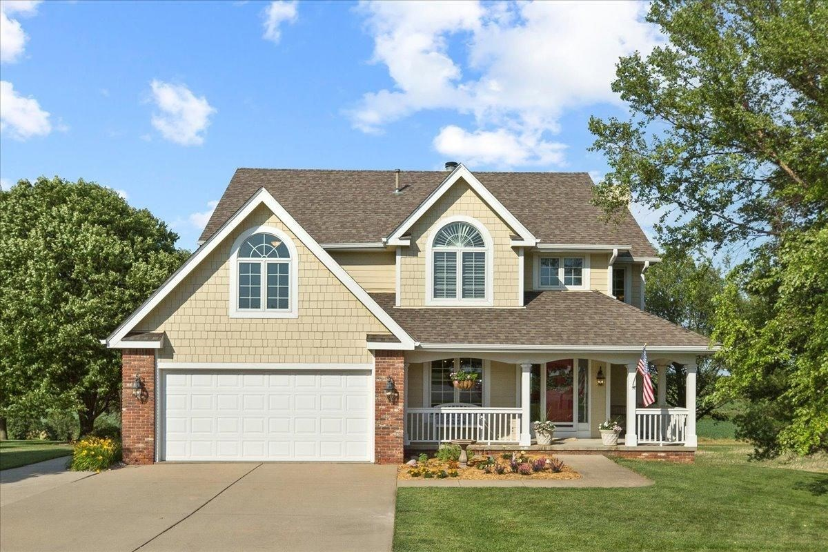 HOME FOR SALE IN COUNCIL BLUFFS IOWA