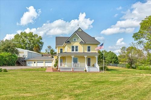 Acreage 10+ For Sale, Victorian Farmhouse, Woodbine IA