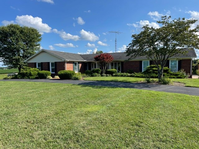 3 bed 2 bath Country Home for sale near Smiths Grove Ky.