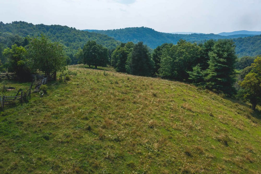 Land with Creek Frontage for Sale in Dugspur VA!