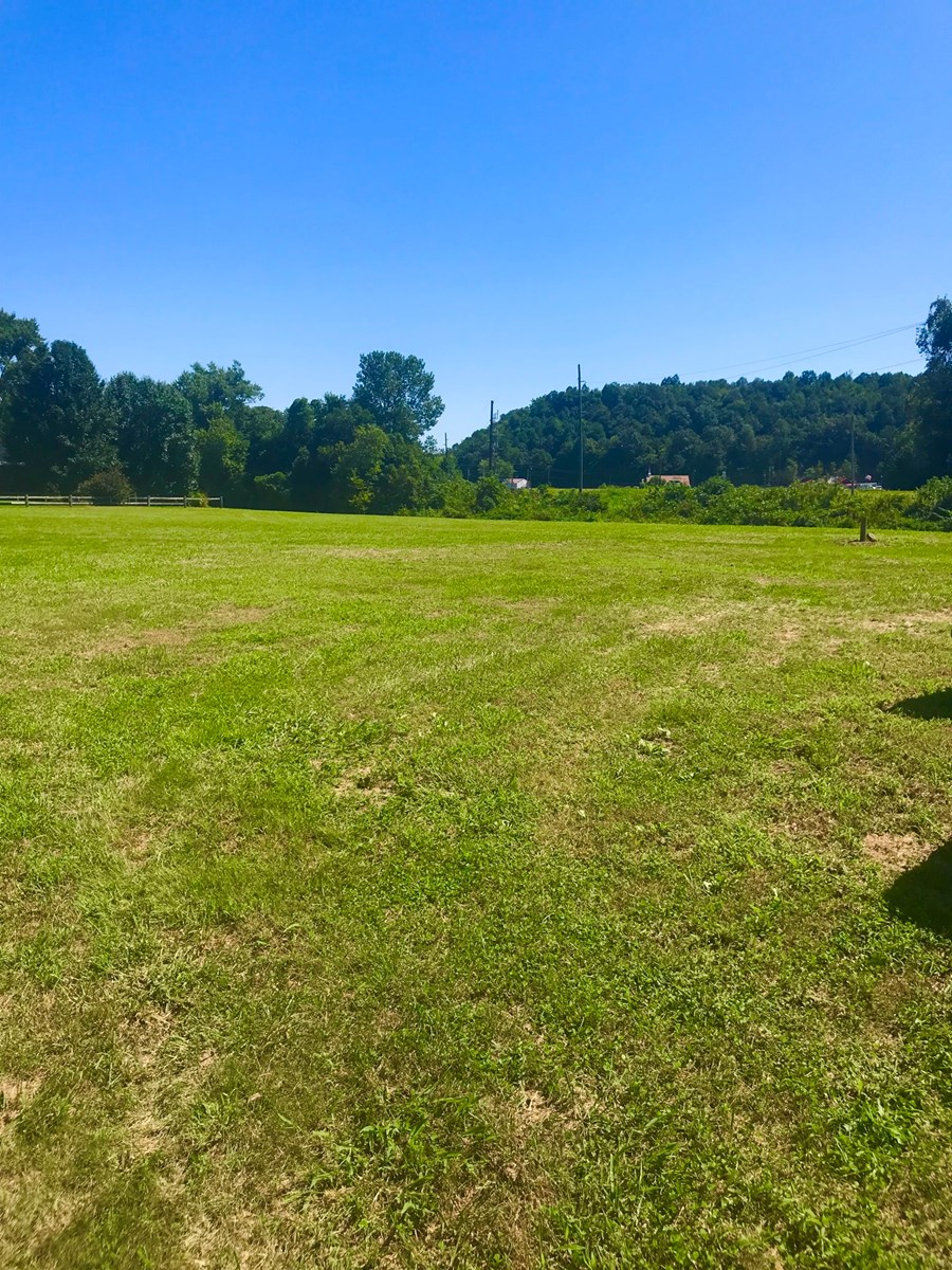 Commercial Building & Lot For Sale, Cave Run Lake Area. Ky