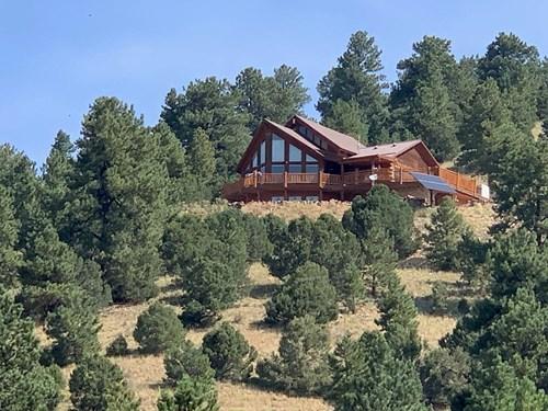 Custom Real Log Home with Amazing Views!