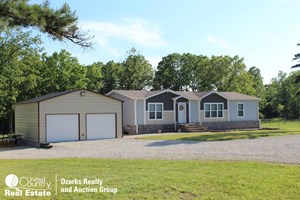 HOBBY FARM FOR SALE IN HOWELL COUNTY, MISSOURI